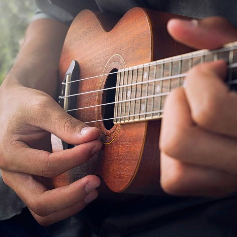 1200-477710820-playing-ukulele